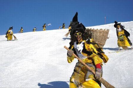 Лыжные гонки ведьм (Hexenabfahrt) (33 фото + 3 видео)