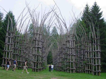 Собор из растущих деревьев (24 фото)