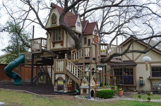 Интересный дом на дереве (20 фото)