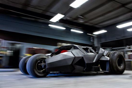 Точная копия последнего бетмобиля - Batman Tumbler (12 фото + 1 видео)