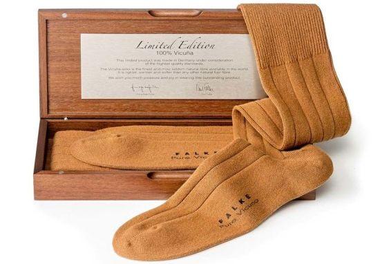 Самые дорогие носки в мире (4 фото)