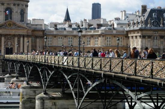 Парижский Мост Искусств (pont des Arts) (29 фото)