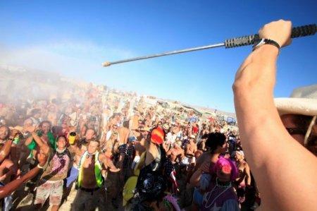 Фестиваль Burning Man (Горящий Человек) 2010 ( 36 фото)