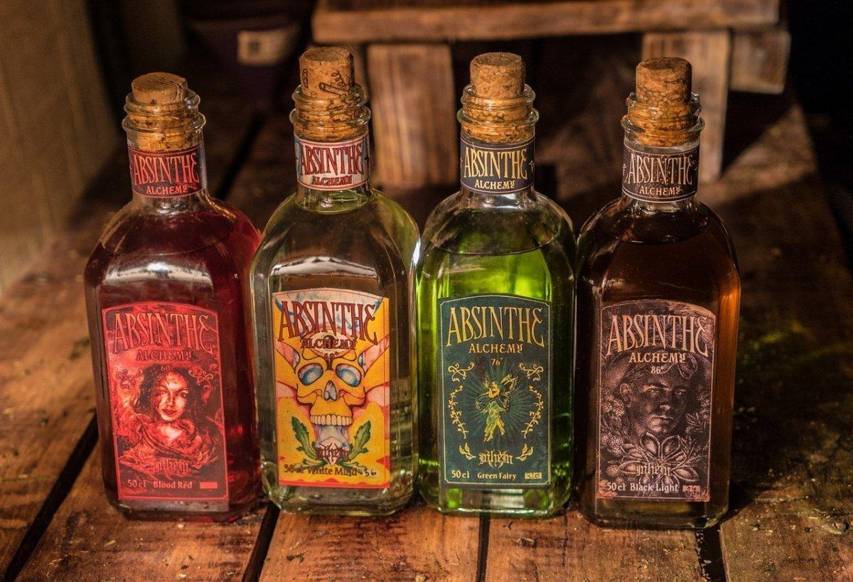 Как пить абсент и не навредить здоровью